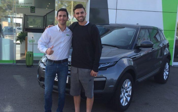 Borja Mayoral, jugador del Real Madrid y la Selección Sub-21, elige OK Rent a Car